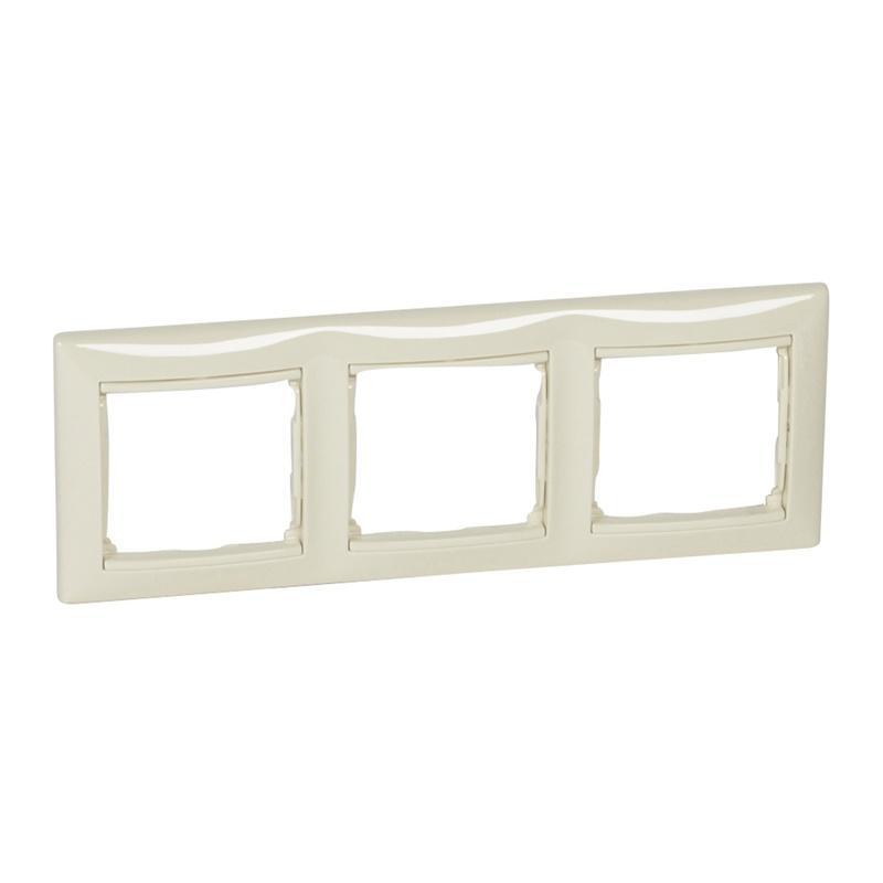 Рамка 3-х постовая горизонтальная Legrand Valena 694242 IP20, белая